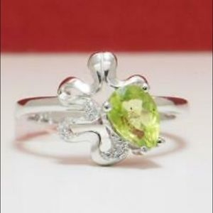 Jewelry - PERIDOT AND WHITE SAPPHIRE RING